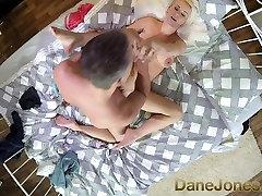 DaneJones ציצים גדולים העשרה בלונדינית אוהבת מנוסה זין