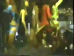 90s eva longra girls dancing in club