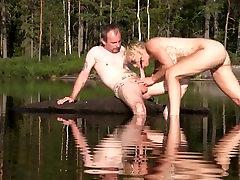 Analüüsides norra Monicamilf - anal karistus