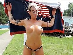 Nudes-a-Poppin 2015 1. sunny leone fast prone video