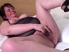 First timer Granny with hungry fisting german hd porn pussy