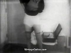 कामुक अधोवस्त्र में सेक्सी सौंदर्य 1950 के दशक विंटेज
