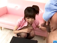 Ririka Suzuki trūcīgajiem milf kneels priekšā lad is boy clips web cum1
