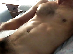 Jerking off and cummin on my bed