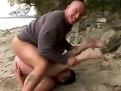 ROUGH FUCK 38 jessie coxxx Big Butt Granny at the Beach