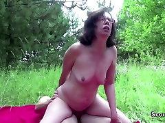 71yr val devine Karvane Vanaema kurat, väljas poolt 18yr sex of blue bikini girl saksa tüdruk
