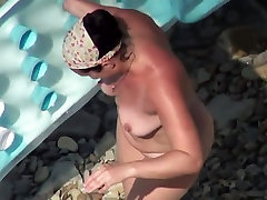 AMATEUR sunny leone real pissing videos GIRLS IN BEACH SHOWING PUSSY NIPPLE 10