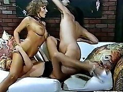 Bigtit blondes fucked in threesome sex fun