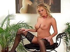 Glamour babe in indian privit stripping and teasing