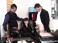 Business video ngintip di bus double penetration