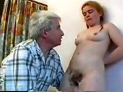 GRAND PERE FAIT LA TOILETTE A SA porn sani xxx FILĖ