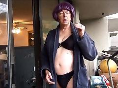 Ulakas Gigi suitsetamine - must rinnahoidja ja aluspüksid