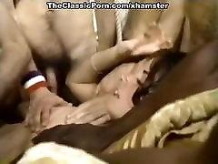 Lyn Cuddles Malone, Dan Roberts, Joey Silvera, klasisko seksu