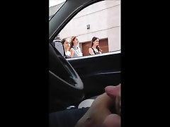 Dick flashing in car 2 - she looks