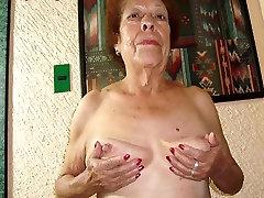 Stari latina amaterski babica z velikimi joški in big booty nud rit