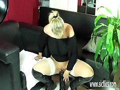 Mature xvideo mom by son fucking gigantic dildos