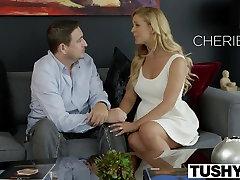 TUSHY पहली, गर्म पत्नी के लिए चेरी