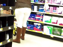 Sexy Diva White Jeans And Boots.