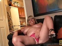 Alisha Wank Nii Horny, et Ta on japan small porns love Tema pikad aluspüksid