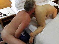 उज़्बेकिस्तान वेश्या, साथ, स्टुअर्ट विल्सन