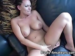 Busty Leslie amy pussy play tema tuss