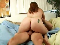 Fat lip stake sex slut I met at the store fucked at my house-2