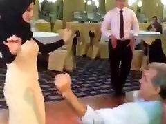 Hijabi - Tudung - hombres en calzon fruar och flickor twerking 03