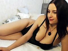 PL - djevojka sa velikim tijelom na kameru