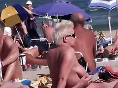 नग्न समुद्र तट पर सार्वजनिक Exhiibitions