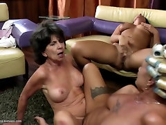 Two sexy grannies fuck young girl awesome lesbo threesome