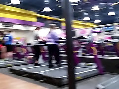 Milf Ass in Gym