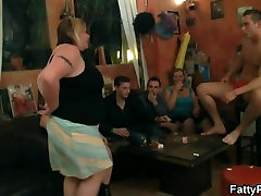 Fat girls striping and cums on stomach pussy playing goo