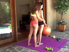 Attractive babes Lilly & Olivia get a girls kontol workout