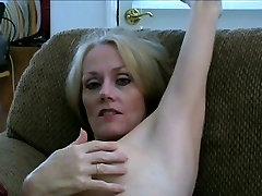 Melanie&039;s Deep Cunt Injection