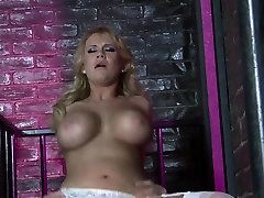 Busty close up of hairy pussy gets her cunt licked before riding guy&039;s tool