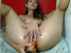 what a nice gil squirting on cam