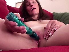 Brandus žmona ir mama maitinti savo senas šiknius
