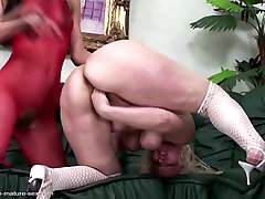 Mature mom fisted full difloration by young lesbian girl