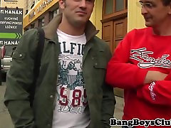 Euro amateur cocksucked by older guy