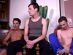 Twinks reisi taotluse Theo Ford