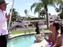 ExxxtraSmall - Petite Teen Kiusab Hispaania Bassein tüdruk