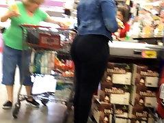 Jiggly Ass Ebony in HEB