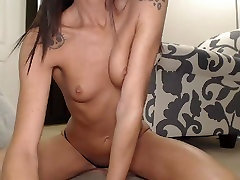 Hot Babe Fingering and Toying her seks mom gril and Ass