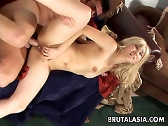 Blonde big ass dol porn online has a hot fuck to enjoy
