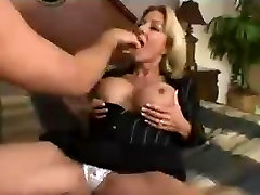 Blonde Milf gets fucked hyper fast motion.mp4