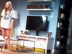Amanda Seyfried gets step little cute sister on stage