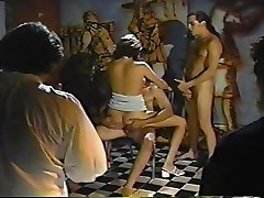 Retro 90s threesome
