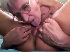 Lesbian grannies zabavo