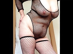 сексуальная бабуля в чулках хлопая большими сиськами и письками