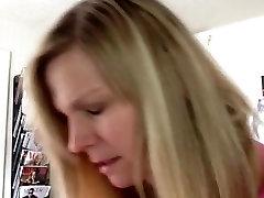 mp3 porn sexy vedio מילפית עושה סקס במקום ציבורי